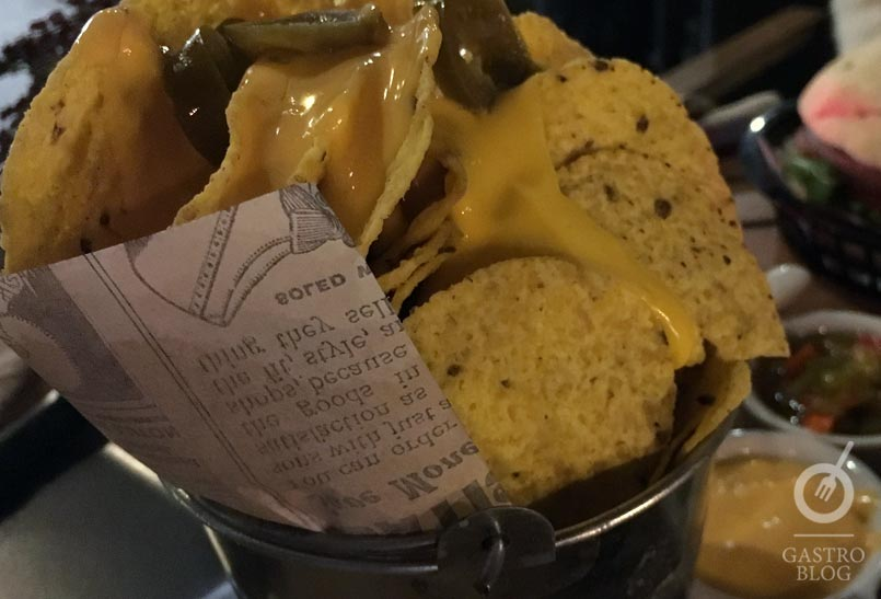 bar_robinson_nachos