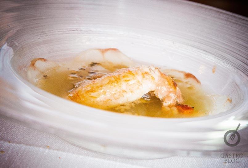 Infusion_caldo_cigala_rape_restaurante_akelarre